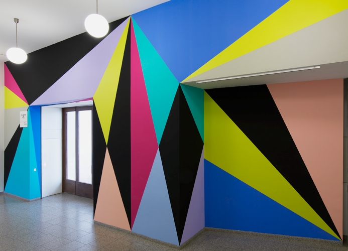 Lothar Götz 'Connection' acrylic on wall, The London Open Triennial 2015, Whitechapel Gallery, London, photo Andy Keate